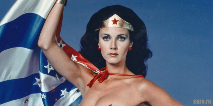 "Линда Картер, супергероиня из сериала 70-х ""Чудо-женщина"""