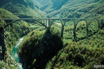 Каньон на реке Тара