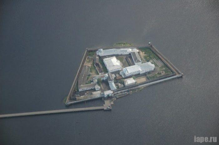Российская тюрьма на острове Пятак