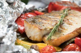 Запечённая рыба с овощами: рецепт